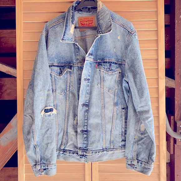 Levi Jean jacket with rips